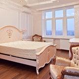 Спальня с окнами ПВХ