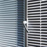 Окно с жалюзи